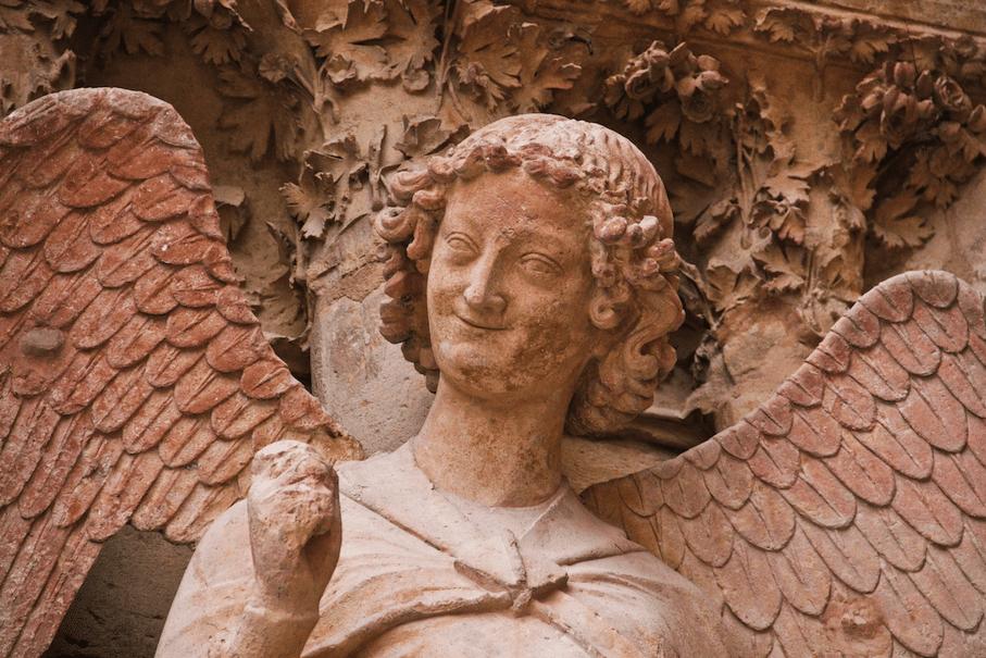 ange au sourire
