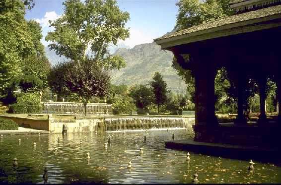 Shalimar jardin cachemire moghol jahangir